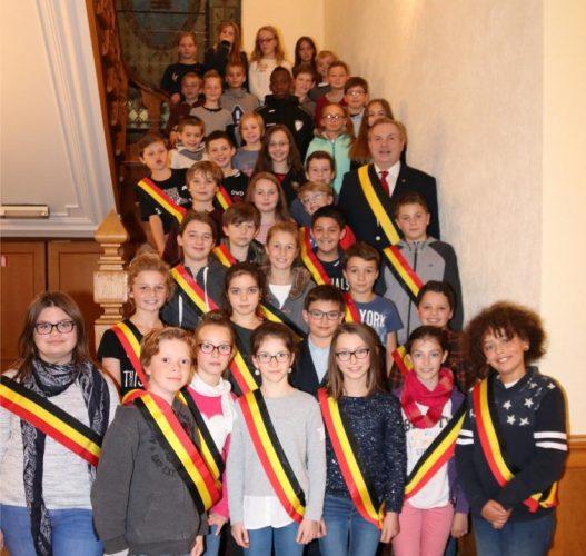 Première séance du conseil communal des jeunes à l'hôtel de ville d'Arlon